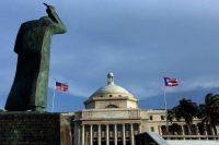 La estatua de San Juan Bautista frente al Capitolio de Puerto Rico. El 30 de septiembre, se realizó la primera reunión de la Junta de Control Fiscal nombrada por el presidente Barack Obama. Credit Ricardo Arduengo/Associated Press