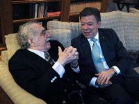 Gabriel García Márquez y Juan Manuel Santos, los dos premios nobel colombianos, en 2011 Javier Casella/Agence France-Presse — Getty Images
