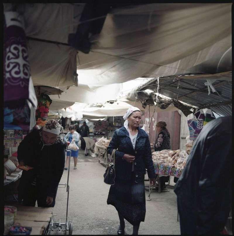 Bazaar in Jalalabad, April 2016. CRISIS GROUP/Julie David de Lossy