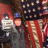 Dans la vitrine d'un magasin de New York, le 9 novembre. Photo Thomas Dworzak. Magnum