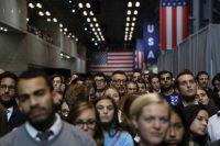 Simpatizantes de Hillary Clinton en su evento de resultados electorales en el Javits Center en Nueva York Credit Todd Heisler/The New York Times