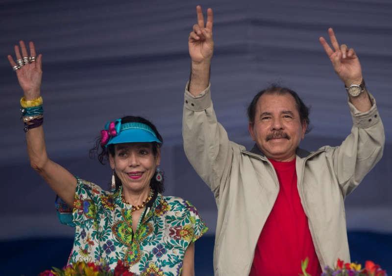 En las elecciones del domingo, el presidente de Nicaragua Daniel Ortega concurrirá a su segunda reelección consecutiva con su esposa Rosario Murillo como candidata a vicepresidente. Credit Esteban Felix/Associated Press