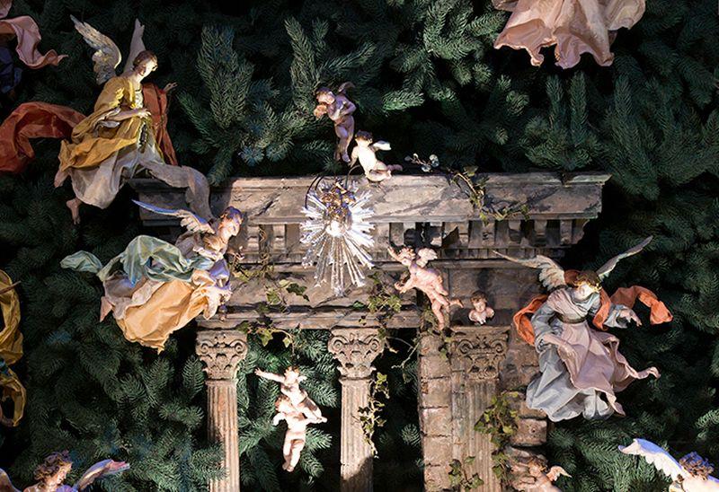 The Metropolitan Museum of Art's late-eighteenth-century Neapolitan crèche (detail of angels and cherubs), New York, 2016