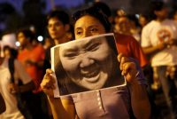 Una protesta de ciudadanos contra la entonces candidata presidencial Keiko Fujimori en el centro de Lima, en marzo de 2016. Credit Janine Costa/Reuters