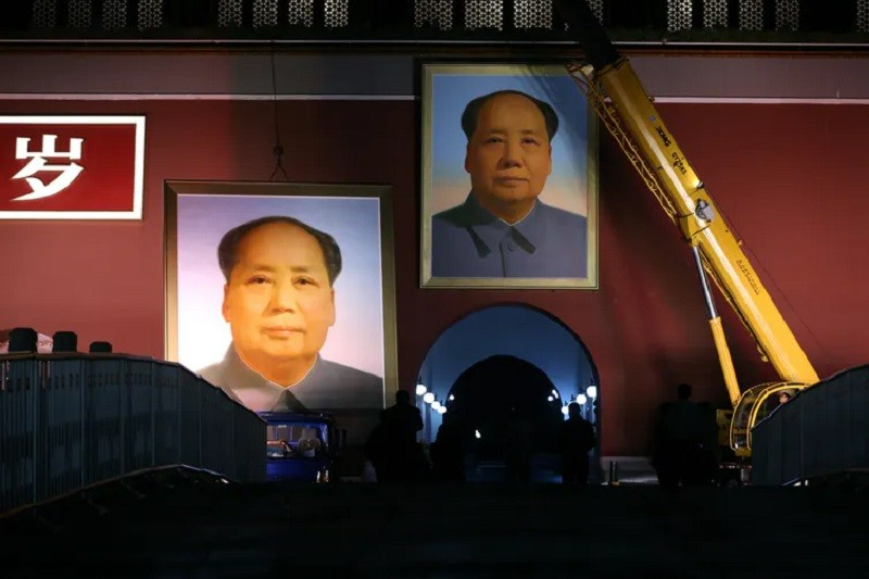Like King Bhumibol, Mao was the subject of a totalitarian personality cult. Stringer/Reuters