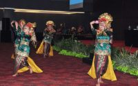 Though music and dancing are contentious topics in Islam, the Minang people cherish their traditional performing arts in their ceremonies and festivals. Sadiq Bhanbhro, Author provided