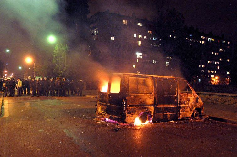 Cars were set alight across the suburbs in the 2005 riots. Reuters