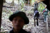 Weapons are seen at a camp of the 51st Front of the Revolutionary Armed Forces of Colombia (FARC) in Cordillera Oriental, Colombia, August 16, 2016. Picture taken August 16, 2016. REUTERS/John Vizcaino - RTX2N6W0