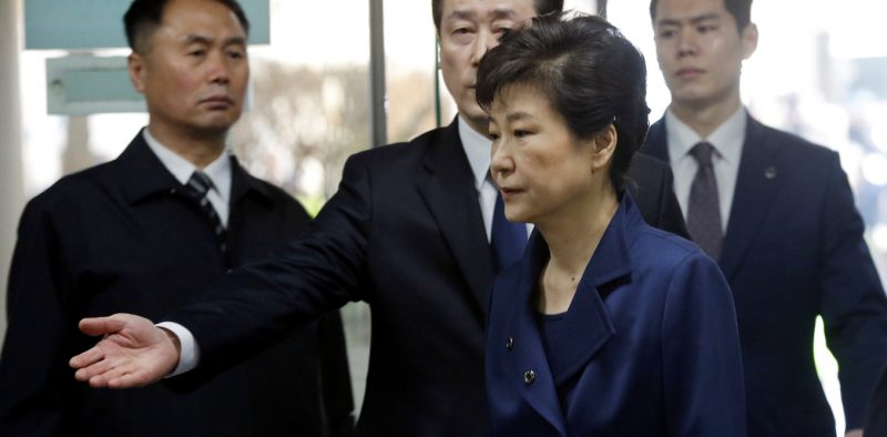 Ousted South Korean President Park Geun-hye arrives for questioning on her arrest warrant at the Seoul Central District Court in Seoul, South Korea, Thursday, March 30, 2017. REUTERS/Ahn Young-Joon/Pool