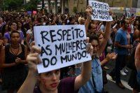 Cientos de personas conmemoran el Día Internacional de la Mujer, el 8 de marzo, en la avenida Paulista de Sao Paulo. Credit Nelson Almeida/Agence France-Presse -- Getty Images