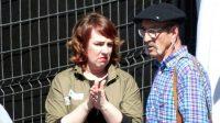 La presidenta del Parlamento, Ainhoa Aznárez (Podemos) junto a Josu Zabarte, 'El carnicero de Mondragón' con 17 asesinatos a sus espaldas. FOTO ABC