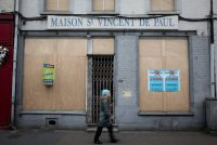 People on the streets of the Front National stronghold Henin-Beaumont, France in April. Henin-Beaumont is a former mining city and had an unemployment rate of twenty percent in April. Credit Kay Nietfeld/Picture-Alliance, via Associated Press