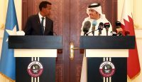 The foreign ministers of Somalia and Qatar hold a joint press conference on 25 May. Photo: Getty Images.