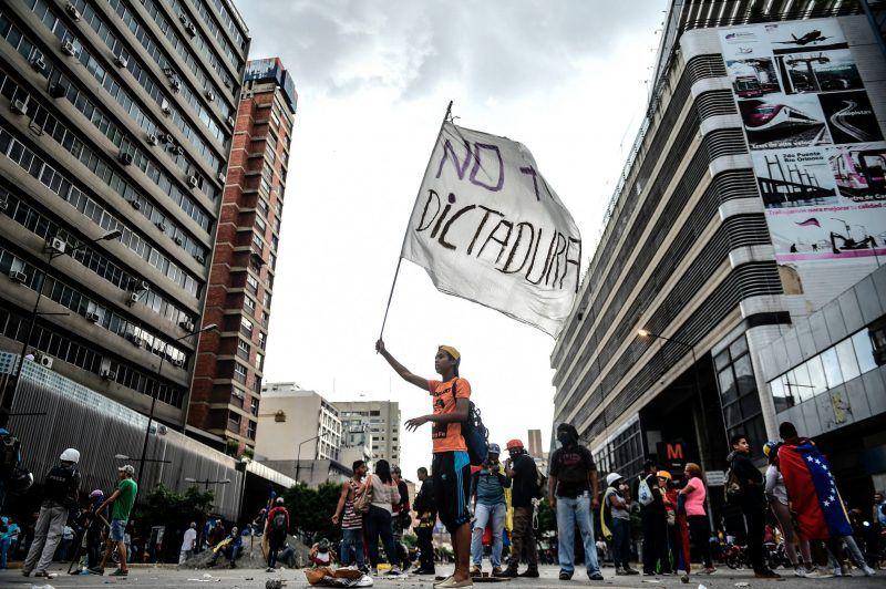 Una manifestación contra el gobierno de Nicolás Maduro en Caracas, el 18 de julio Credit Juan Barreto/Agence France-Presse — Getty Images
