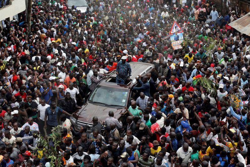 Thomas Mukoya/TPX/Reuters. Opposition leader Raila Odinga greeting supporters, Nairobi, Kenya, August 13, 2017