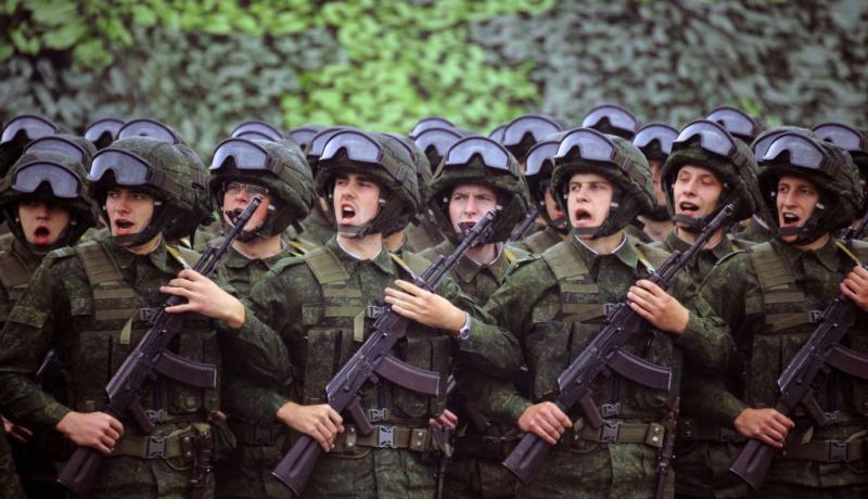 Servicemen take part in the joint Russian-Belarusian military exercises Zapad-2017. Photo by Sergei Gapon/AFP/Getty Images