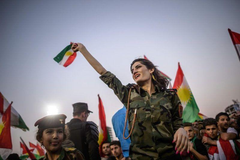Lors du meeting de Massoud Barzani, président du Kurdistan irakien, vendredi, dans le stade d'Erbil. Photo Christophe Petit Tesson.
