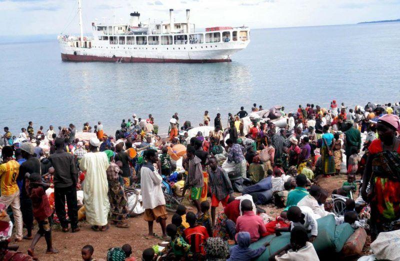 Des Burundais réfugiés, en 2015, sur les bords du lac Tanganyika en Tanzanie, à quelques kilomètres du Burundi. Photo Reuters