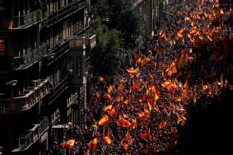 Thousands rallied in Barcelona on Sunday in support of a united Spanish state. (Pau Barrena/Agence France-Presse via Getty Images)