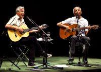 Desde la izquierda: Caetano Veloso y Gilberto Gil, fundadores del movimiento musical brasileño Tropicalia, durante la primera de sus dos presentaciones en la Brooklyn Academy of Music, el 20 de abril de 2016