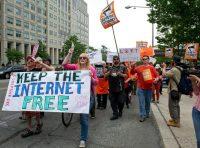 Manifestation pour la neutralité du Net («Gardons un Internet libre»), à Washington, en 2014. Photo Karen Bleier. AFP