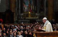 El papa Francisco dio clases de manejo en el Vaticano en la víspera de Año Nuevo. Credit Vincenzo Pinto/Agence France-Presse — Getty Images