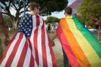 Una pareja en una manifestación en California en 2015 Credit David McNew/Getty Images