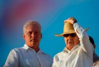 En mayo de 2016, cuando Miguel Díaz-Canel era vicepresidente y Raúl Castro el presidente, en un desfile en La Habana Credit Ramón Espinosa/Associated Press