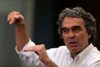 Sergio Fajardo, matemático, profesor, exalcalde de Medellín y autoproclamado político de centro, debe apelar a la polarización para pasar a la segunda vuelta y encontrar una posibilidad en el voto en contra del poder establecido.