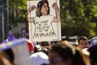 Durante la marcha internacional de las mujeres, el 8 de marzo de 2018, cientos de mujeres en San Salvador protestaron para exigir soluciones a la violencia de género y la prohibición del aborto. Credit Rodrigo Sura/Epa-Efe/Rex/Shutterstock