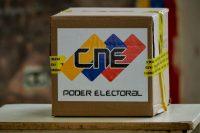 Una caja de votación en un ensayo para la elección presidencial del 20 de mayo en Venezuela Credit Luis Robayo/Agence France-Presse — Getty Images