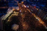 Una protesta contra la corrupción y a favor de Kuciak y Kusnirova en Bratislava, en marzo. Las manifestaciones obligaron a renunciar al primer ministro de Eslovaquia. Credit Vladimir Simicek/Agence France-Presse — Getty Images