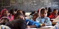 Cómo financiar mejoras educativas en África