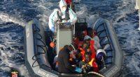 Rescate de inmigrantes en el mar Mediterráneo (EFE)