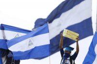 Un joven participa en una marcha contra el gobierno de Daniel Ortega el 23 de julio de 2018, en Managua. Credit Rodrigo Sura/EPA, vía Shutterstock