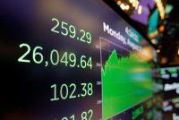 Los mercados en Estados Unidos han roto récords recientemente, pero eso no significa que todos se han beneficiado. Credit Andrew Kelly/Reuters