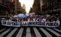 El 30 de agosto de 2018, se organizó en Buenos Aires una protesta contra los recortes presupuestarios a la universidad pública en Argentina. Credit Damián Dopacio/Agence France-Presse — Getty Images