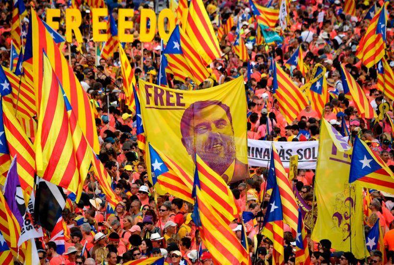 En septiembre de 2018, se organizó en Barcelona una protesta para pedir la libertad de los presos políticos del proceso independentista de Cataluña. Credit Lluís Gene/Agence France-Presse — Getty Images