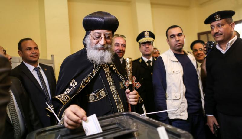 Pope Tawadros casts a vote in Egypt's 2018 presidential election. Photo: Getty Images.