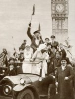 Celebrating the end of World War I in London.CreditCreditUniversal History Archive/UIG, via Getty Images
