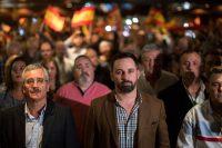 El líder de Vox, Santiago Abascal (al centro), el 14 de noviembre de 2018 durante un evento en Murcia Credit Emilio Morenatti/Associated Press