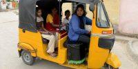 Las mujeres, el trabajo y la revolución de los tuk-tuks de la India