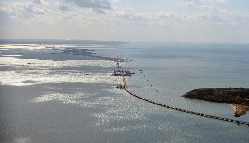 The Kerch Strait bridge under construction in 2016. Photo: Kremlin.ru.