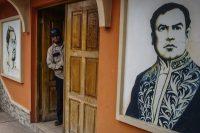 La biblioteca de Ciudad Darío, una municipalidad Matagalpa (Nicaragua) en donde nació Rubén Darío, tiene un retrato del poeta. Credit Federico Rios Escobar para The New York Times