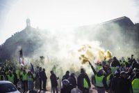Samedi 5 janvier à Bordeaux. Les gilets jJaunes se rassemblent place de la Bourse avant de partir manifester dans les rues. Photo Thibaud Moritz pour Libération