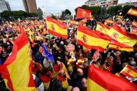 Algunos simpatizantes de la extrema derecha española se reunieron a principios de febrero de 2019 en la Plaza de Colón, en Madrid, para protestar contra el gobierno del presidente Pedro Sánchez. Credit Óscar del Pozo/Agence France-Presse — Getty Images