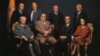 Aguirre Gonzalo, Ramón Rubial, Raimundo Fernández Cuesta e Ignacio Gallego (de pie, de izquierda a derecha) y Serrano Suñer, Enrique Lister, Leizaola, y Pilar Primo de Rivera (sentados, de izquierda a derecha).