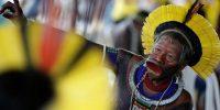 Raoni Metuktire, chef du peuple Kayapo en Amazonie brésilienne, initiateur de l'Alliance des gardiens de Mère Nature. UESLEI MARCELINO / REUTERS
