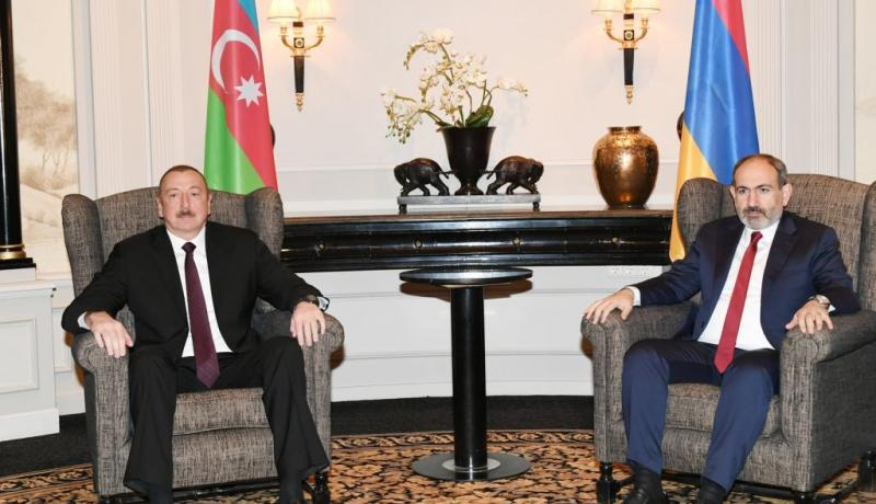 Azerbaijani President Ilham Aliyev meets with Prime Minister of Armenia Nikol Pashinyan in Vienna on 29 March. Photo: Getty Images.