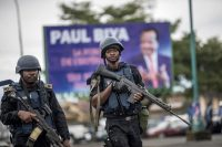 Cameroonian gendarmerie patrol during a meeting of the ruling party in Buea, capital of the English-speaking province (South-West).